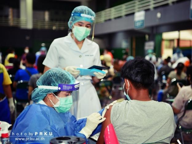 บรรยากาศการฉีดวัคซีน COVID-19 วันที่ 15 กรกฎาคม 2564